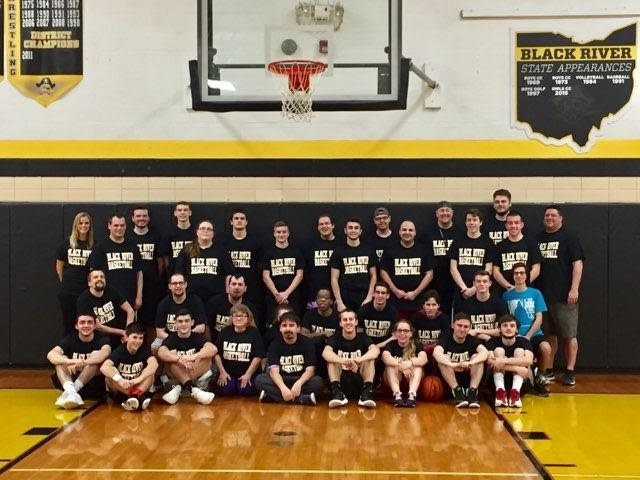 Group Picture Varsity Basketball and Ashland County Special Olympians
